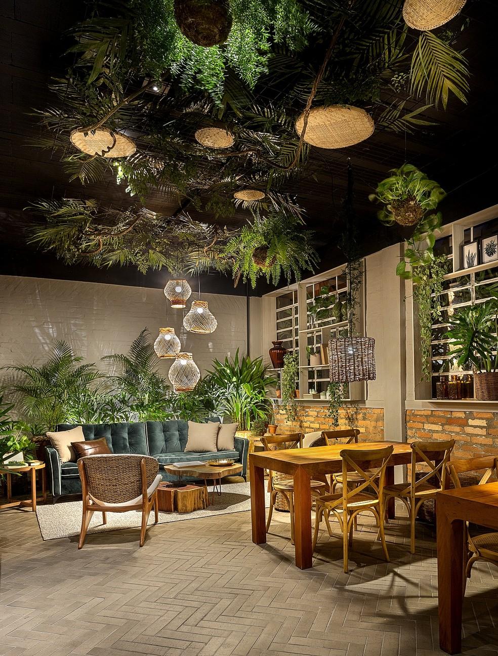 Um dos ambientes reformados pela mostra sustentável.  — Foto: Leandro Farchi
