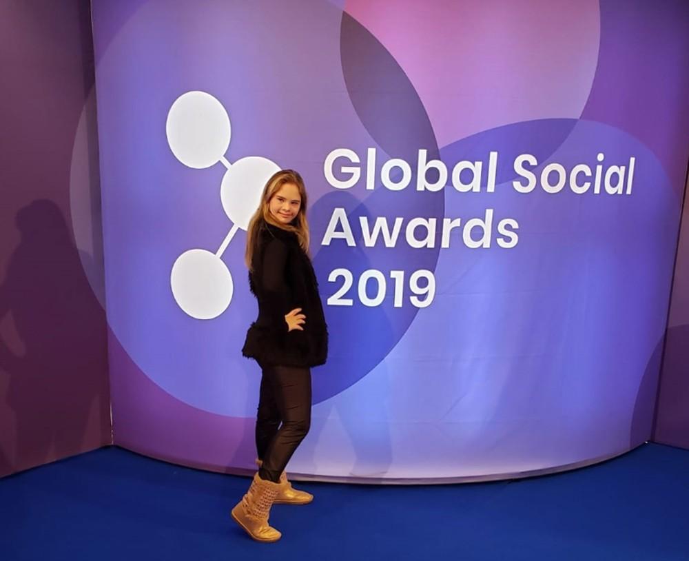 Georgia foi finalista do prêmio Global Social Awards, que foi entregue em Praga, na República Tcheca — Foto: Arquivo Pessoal