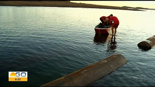 Balsa com 10 pessoas e caminhonete vira no Lago das Brisas, em Buriti Alegre, GO