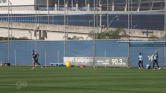 """Após três meses sem jogar, Michel se vê """"pronto"""" e fica perto de voltar ao Grêmio"""