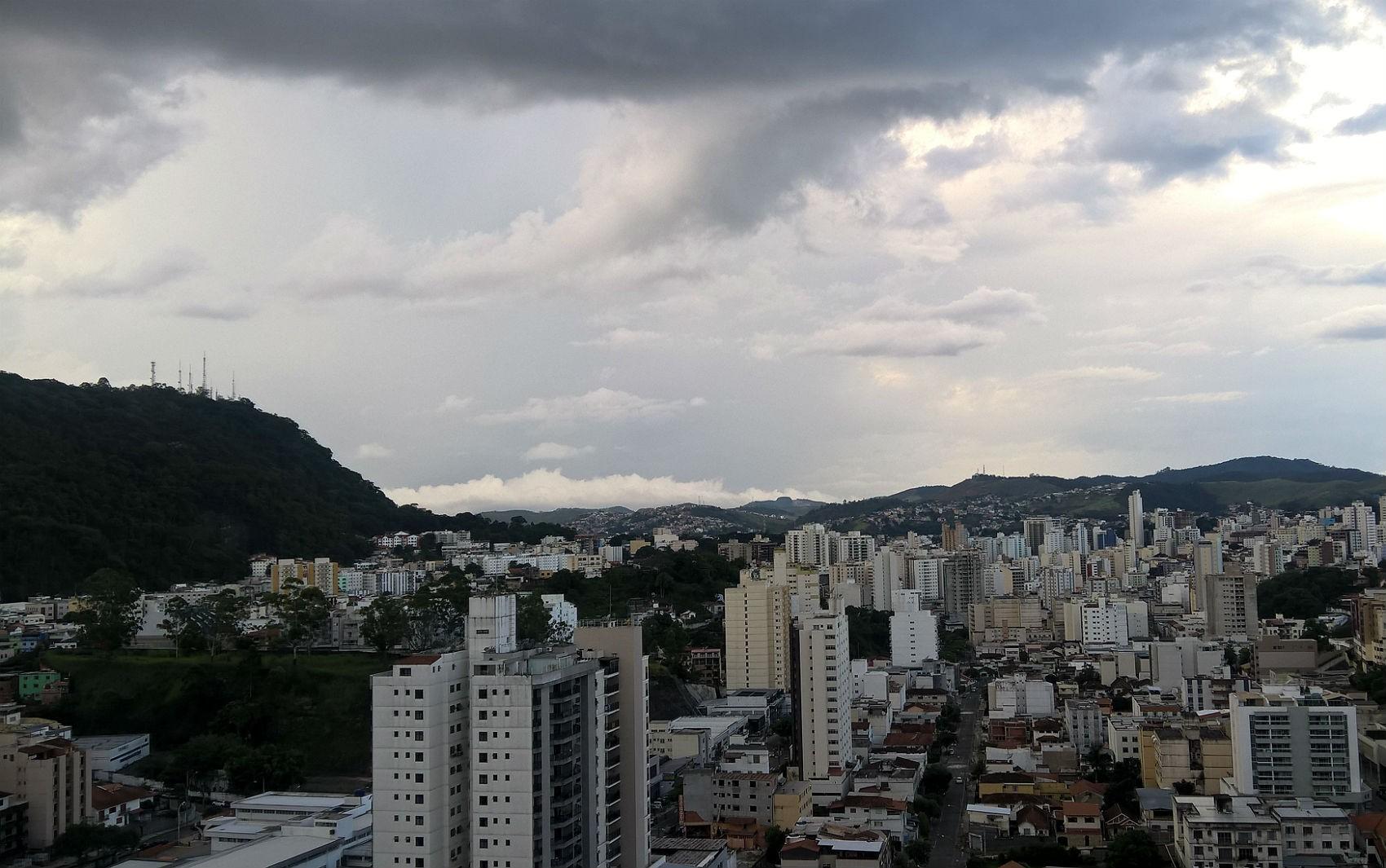 Pancadas de chuvas e altas temperaturas devem prevalecer durante a semana na Zona da Mata e Campo das Vertentes
