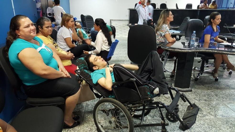 Maria, mãe do Gabriel acredita que ainda há muito o que ser conquistado pela classe (Foto: Pâmela Fernandes/G1)