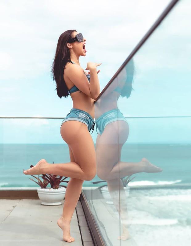 Paolla Oliveira está no ar como a Vivi Guedes de A Dona do Pedaço (Foto: Reprodução Instagram)