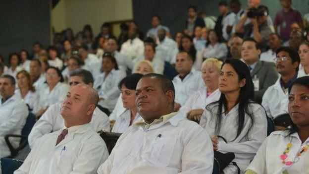 Médicos estrangeiros passaram por cursos de preparação sobre realidade brasileira e língua portuguesa (Foto: Elza Fiúza/Agência Brasil)