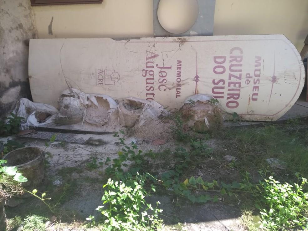 Sem revitalização, museu de Cruzeiro do Sul está há mais de três anos de portas fechadas (Foto: Mazinho Rogério/G1)