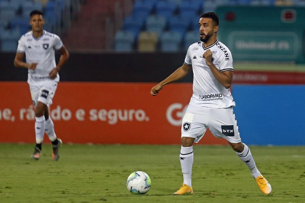 Caio Alexandre foi a principal saída do Botafogo na temporada — Foto: Vitor Silva/Botafogo