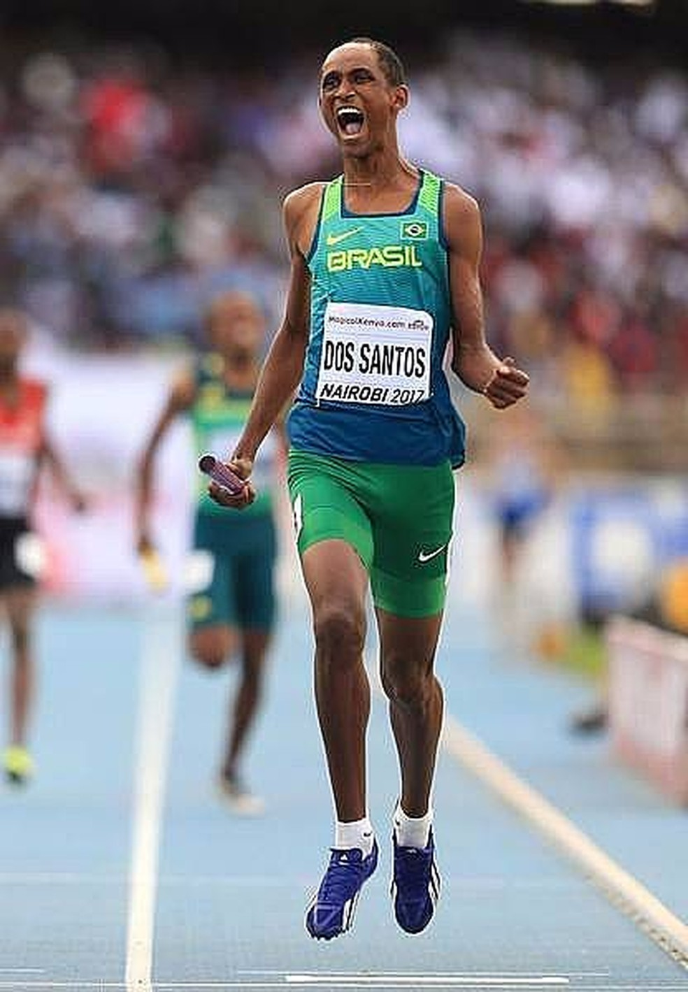 Alisson Brendom dos Santos comemora o ouro no Mundial Sub-18 de Nairóbi em 2017  (Foto: Getty Images / IAAF )