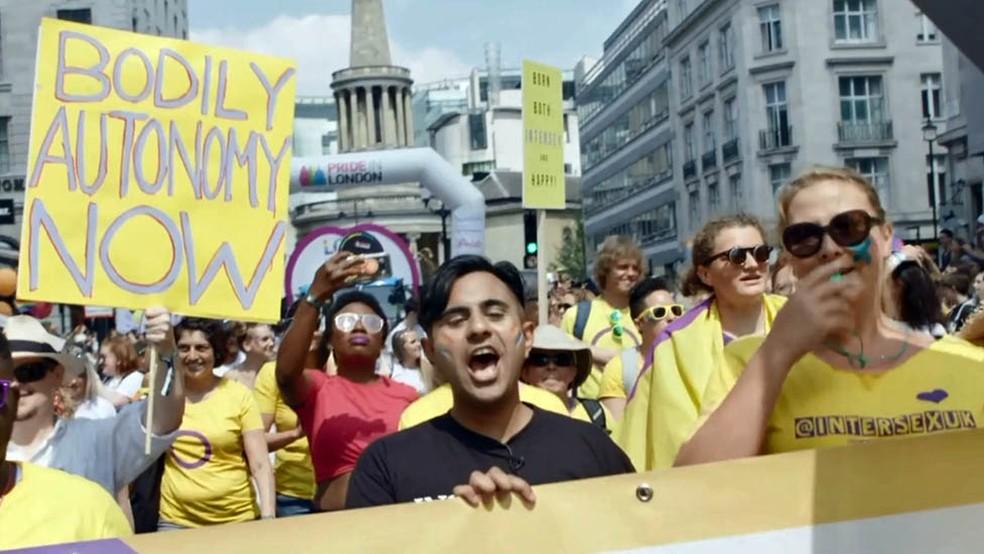 Anick na parada do orgulho LGBT em Londres — Foto: BBC