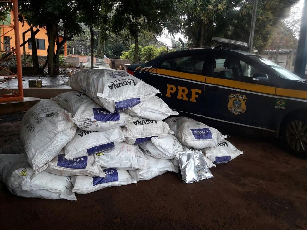 Produto foi levado para a PRF de Dourados, em MS (Foto: Polícia Rodoviária Federal/Divulgação)