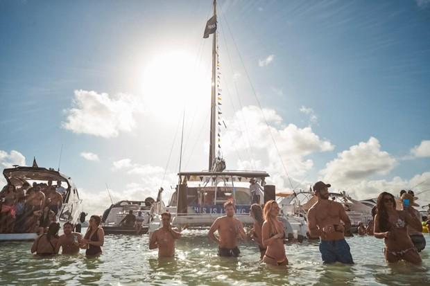 Corona na Ilha de Santo Aleixo (Foto: Gabriel Siqueira/ Divulgação)
