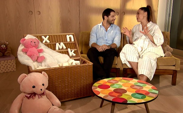 Sabrina Sato e Duda Nagle revelam nome da bebê (Foto: Reprodução Record TV)