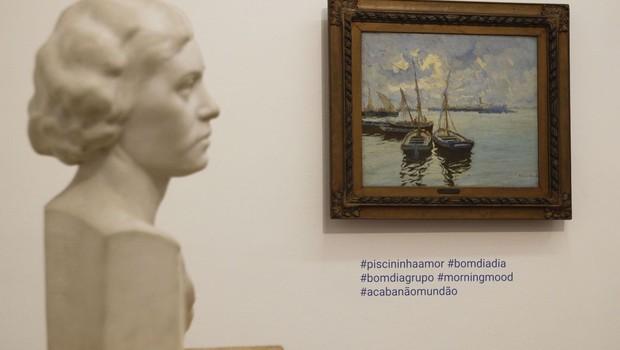 A exposição Hashtags da Arte selecionou 40 obras do acervo do museu e marcou cada uma delas com adesivos com palavras-chave usadas em aplicativos (Foto: Fernando Frazão/Agência Brasil)
