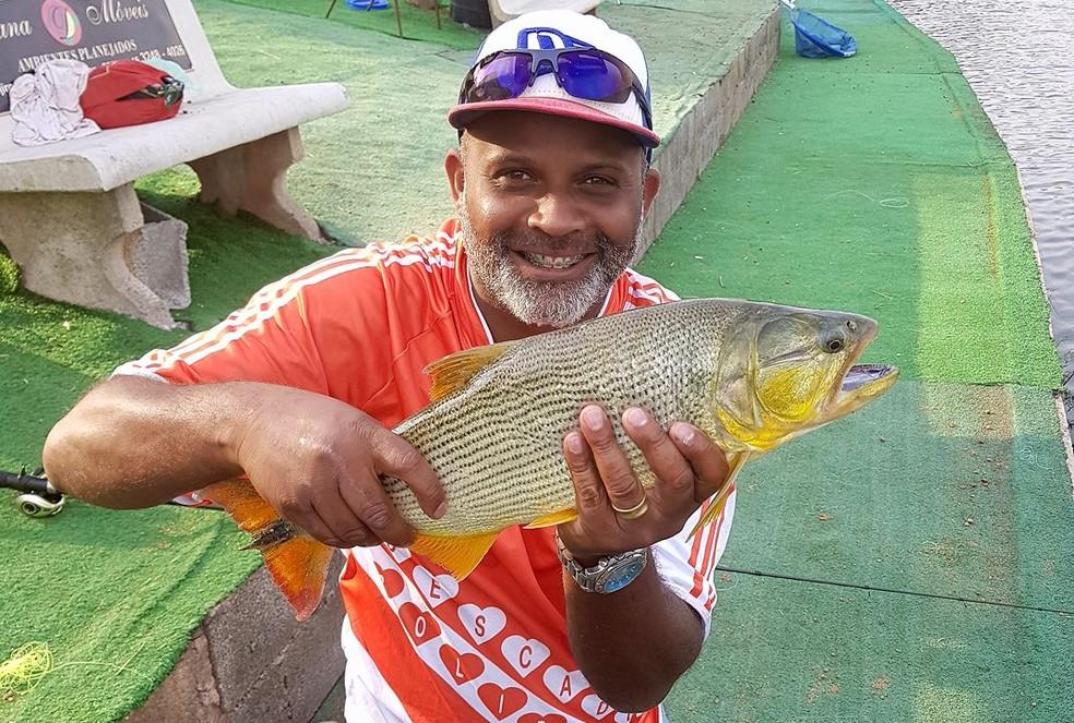 Anderson Rogério da Silva Leitão, de 39 anos, morreu após barco virar no mar em Itanhaém (SP) — Foto: Reprodução/Facebook