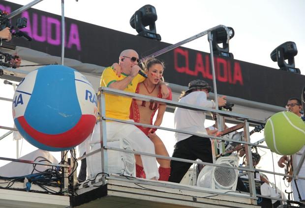 Claudia Leitte e Pitbull (Foto: AG News)