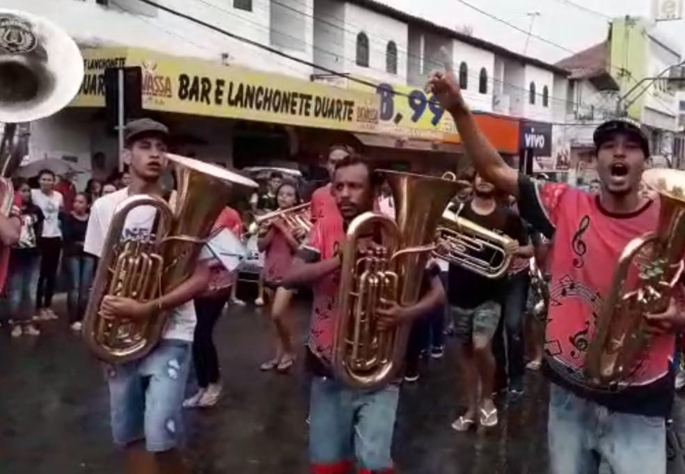 Fanfarras fizeram homenagens — Foto: Divulgação/Prefeitura