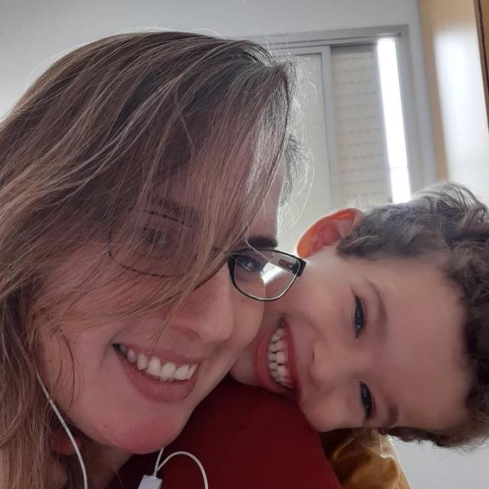 Tatiane Romano diz que Davi, de 3 anos, melhorou após a volta às aulas — Foto: Arquivo pessoal