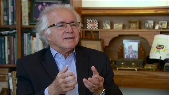 Joaquim Falcão é eleito para Academia Brasileira de Letras