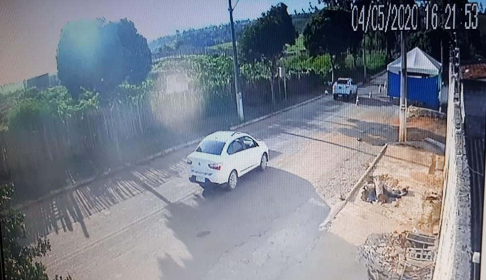 Bandidos disparam tiros contra barreira sanitária no oeste da Bahia — Foto: Reprodução