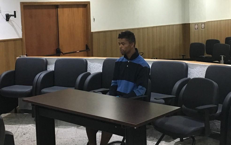 Suspeito do crime, Saulo negou assalto e alegou discussão com vítimas (Foto: Paula Resende/G1)