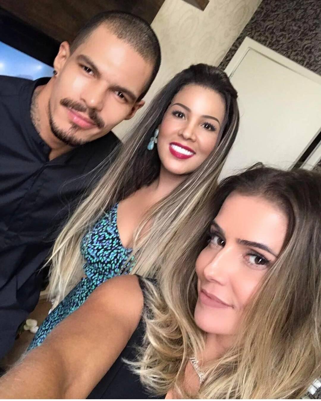 Especialista em Megahair Rosa Maria e Deborah Secco (Foto: Reprodução / Instagram)