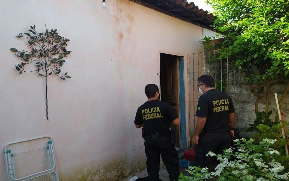 PF foi até o local cumprir mandado de busca e apreensão — Foto: Divulgação/PF