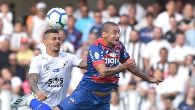 Wellington Paulista faz dois gols na reação do Fortaleza