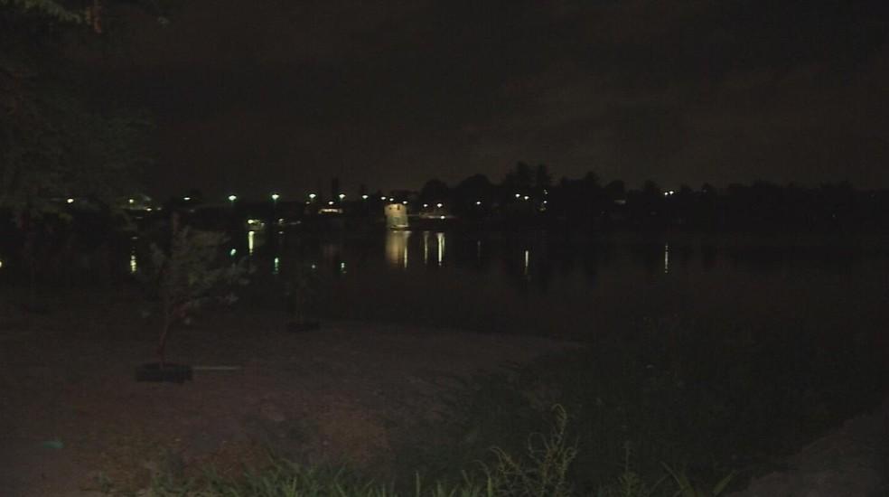 Corpo da garota foi encontrado próxima a uma lagoa em Fortaleza (Foto: TV Verdes Mares/Reprodução)
