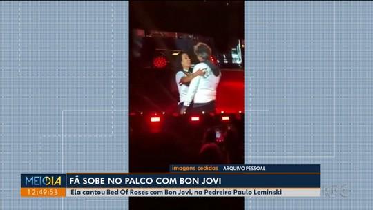 'Visualizei com muita força, com muito desejo este momento', diz fã que subiu no palco e dançou com Bon Jovi em Curitiba