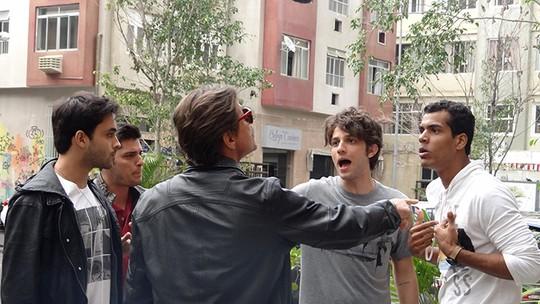 Ivan dá soco em Guto e vai preso