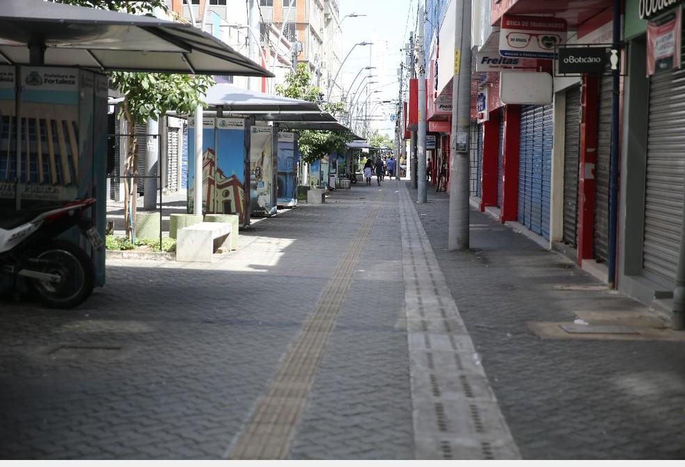 Centro de Fortaleza permaneceu com as portas de lojas fechadas durante o período de isolamento social. — Foto: José Leomar/Sistema Verdes Mares