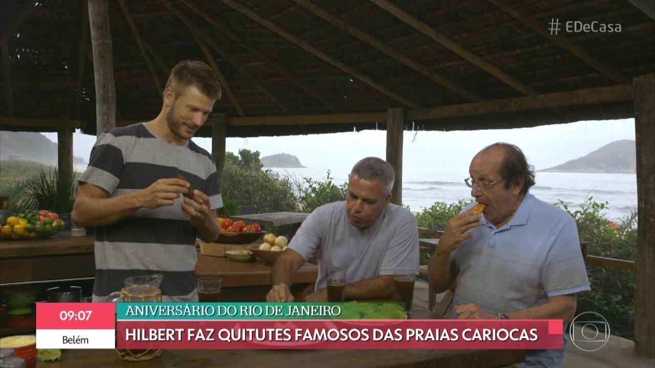 Rodrigo Hilbert faz quitutes famosos nas praias cariocas no 'Tempero de Família'