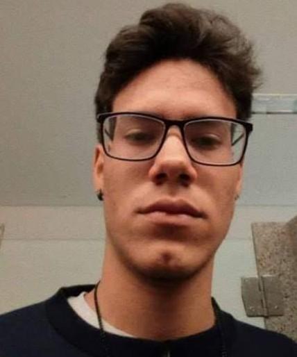 Família oferece R$ 5 mil a quem der pistas de jovem desaparecido há quase uma semana no AC - Notícias - Plantão Diário