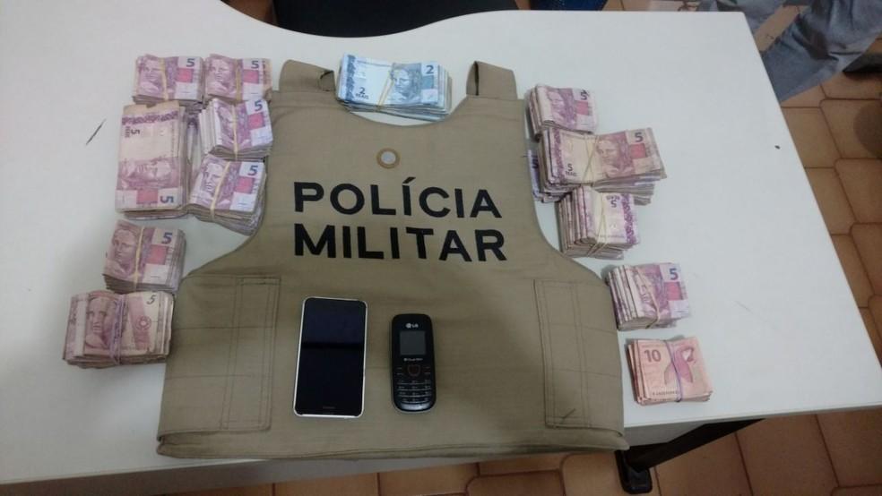 Polícia recuperou mais de R$ 7,8 mil furtados de um supermercado em Paraíso do Tocantins (Foto: Divulgação/PM)