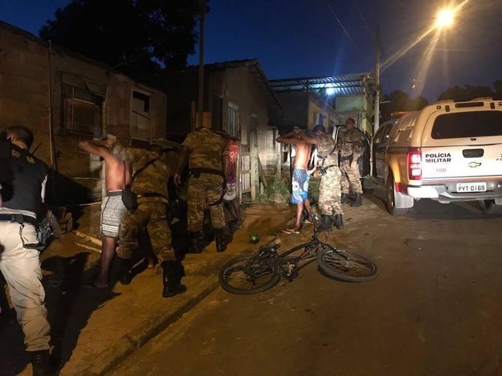 -  Militares realizaram abordagens de suspeitos e rondas em áreas críticas  Foto: Polícia Militar/Divulgação