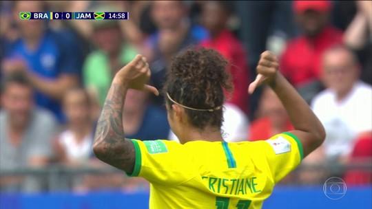 Na Copa feminina, Cristiane marca três gols para o Brasil contra a Jamaica