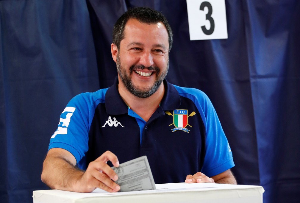Matteo Salvini, líder do partido nacionalista conservador Liga e ministro do Interior italiano, vota nas eleições europeias — Foto: Alessandro Garofalo/Reuters