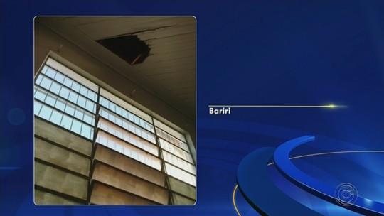 Criminosos invadem agência pelo teto e levam dinheiro do cofre de cooperativa de crédito em Bariri