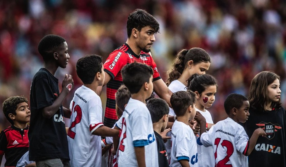 Flamengo ainda vai receber em 2020 5 milhões dos 35 milhões de euros pela venda de Paquetá no fim de 2018 — Foto: Pedro Martins / SOCCERIS