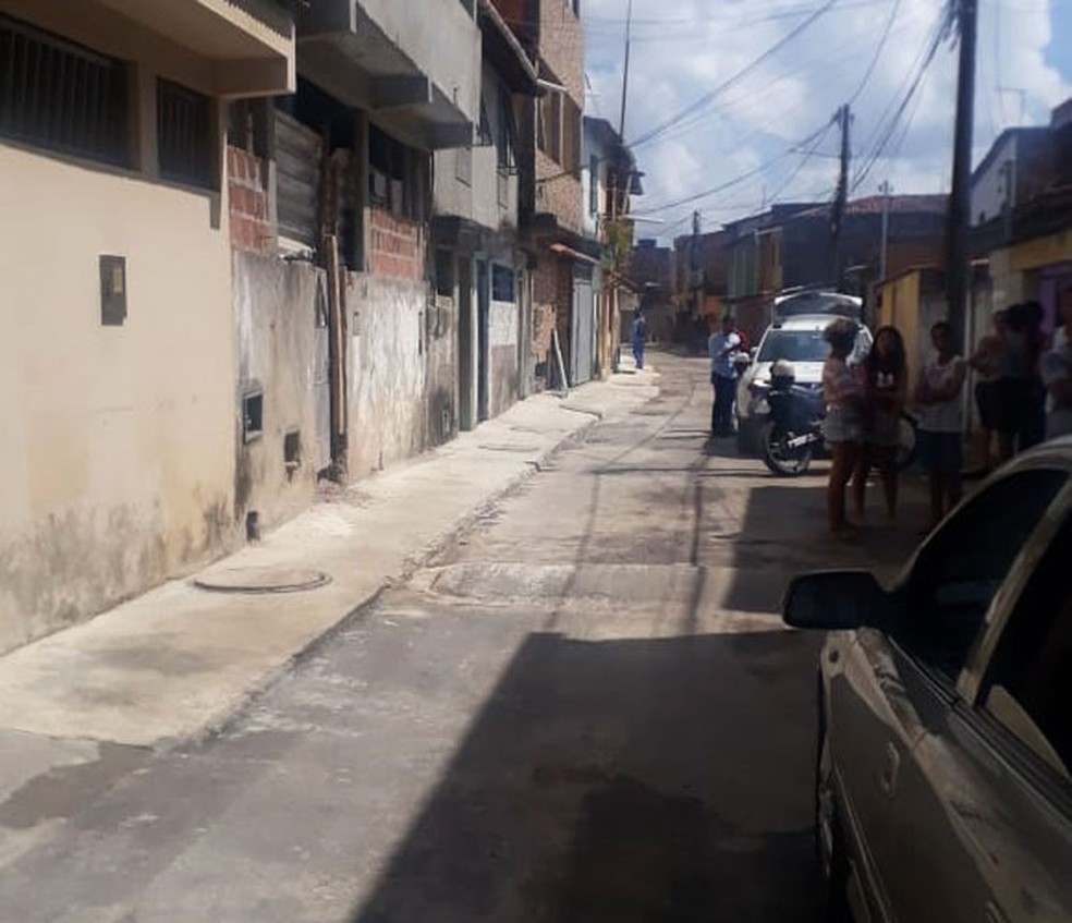 Rua da cidade de Camaçari onde a Hebert Filipe foi baleado — Foto: Andrea Silva/TV Bahia