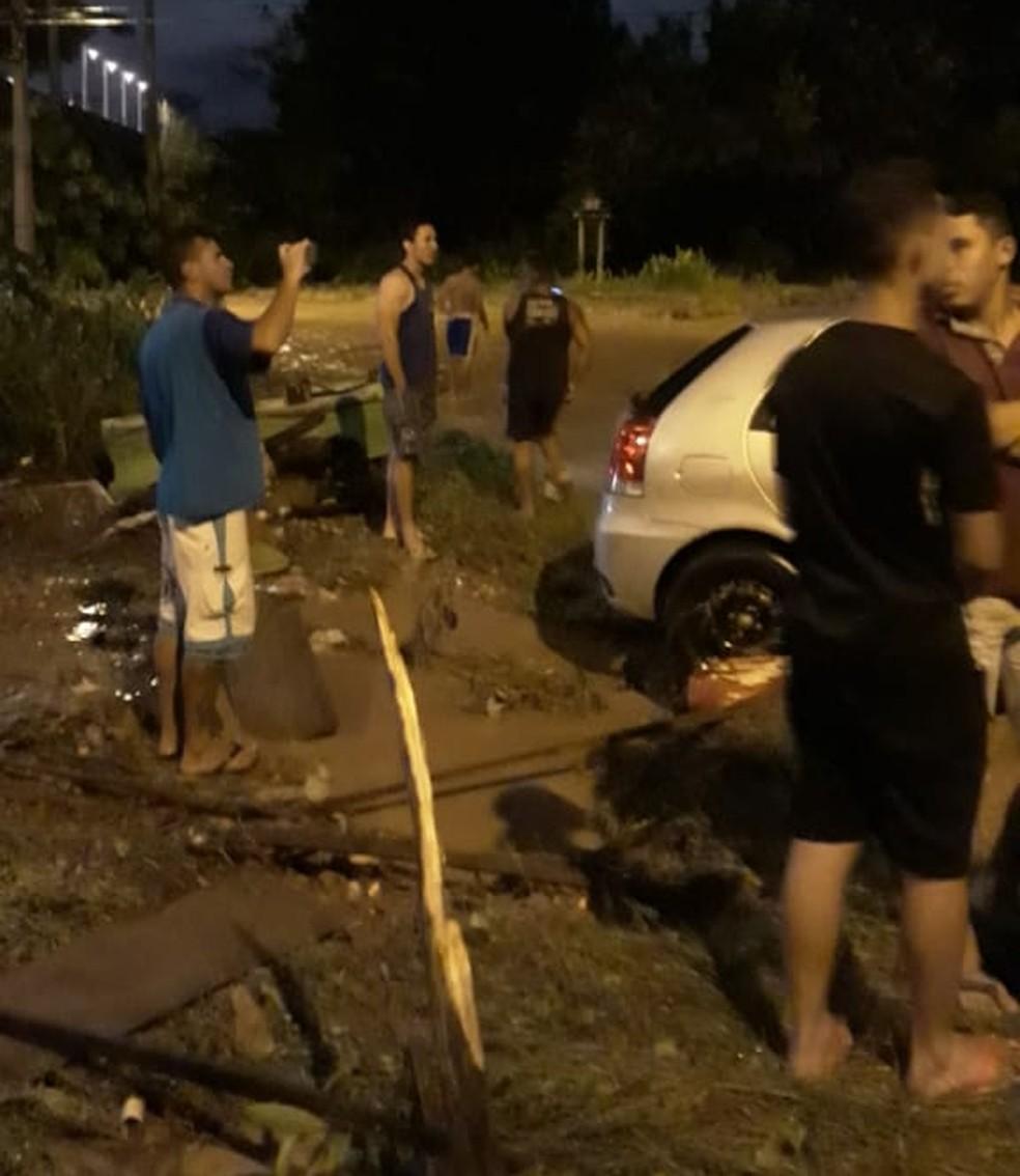 Moradores encaminharam ao G1 situação do bairro após enxurrada