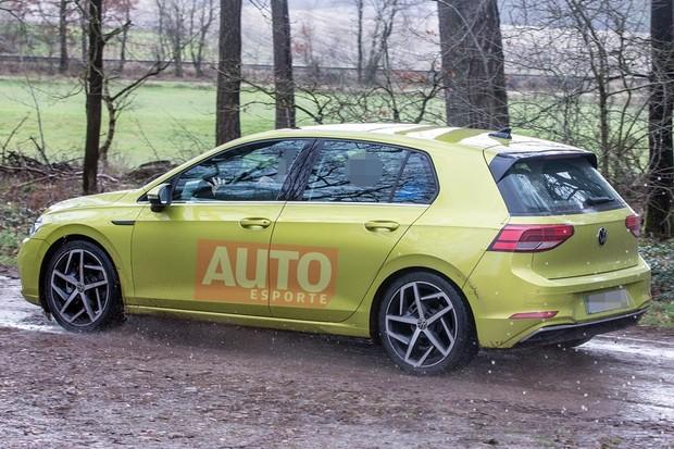 Flagra VW Golf oitava geração (Foto: Stefan Baldauf/SB-Medien)