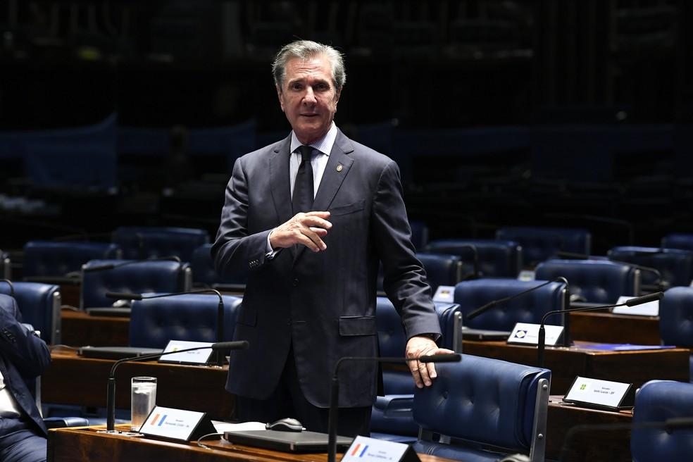 O senador Fernando Collor (Pros-AL) durante pronunciamento no plenário do Senado — Foto:  Jefferson Rudy/Agência Senado