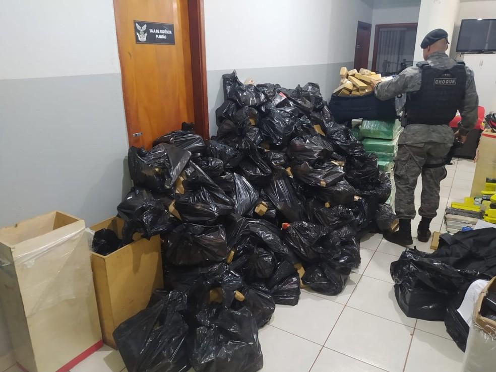 Droga apreendida foi encaminhada para Denar em MS — Foto: Polícia Militar/Divulgação