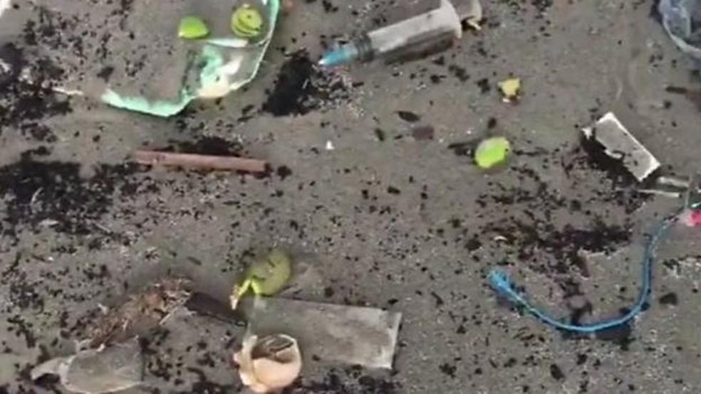 As imagens compartilhadas nas redes sociais mostram uma parte dos resíduos encontrados — Foto: Reprodução/Twitter/Iamshaniera