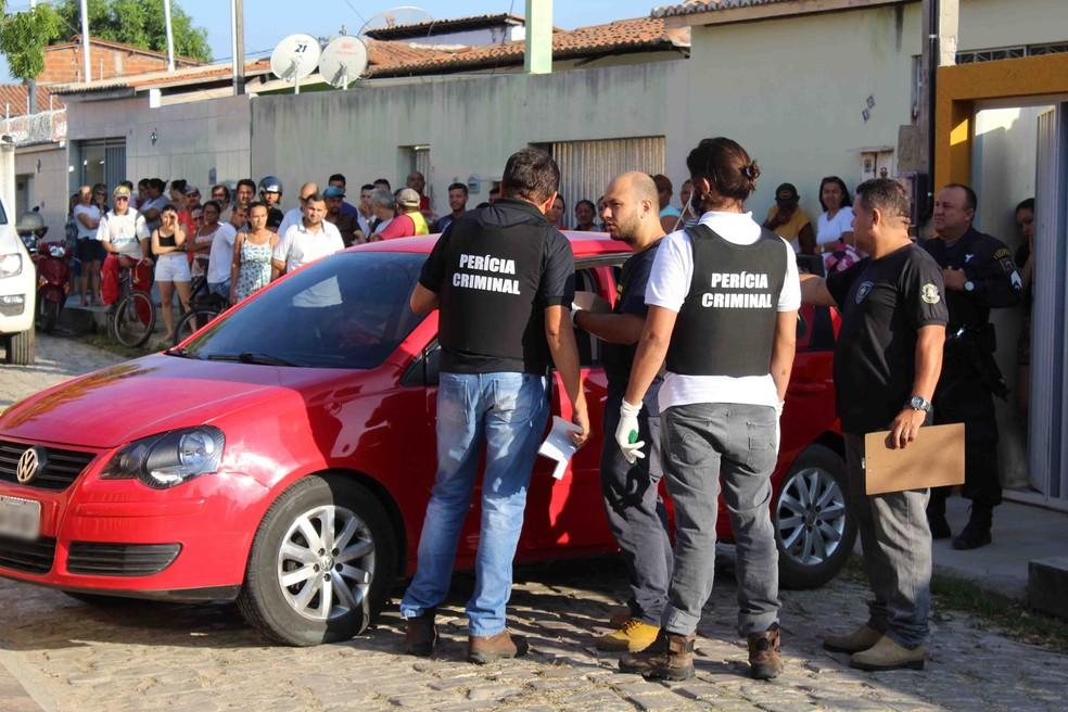 Pedro Francisco de Oliveira Neto, de 32 anos, estava saindo de casa, de carro, quando foi baleado — Foto: Marcelino Neto/O Câmera