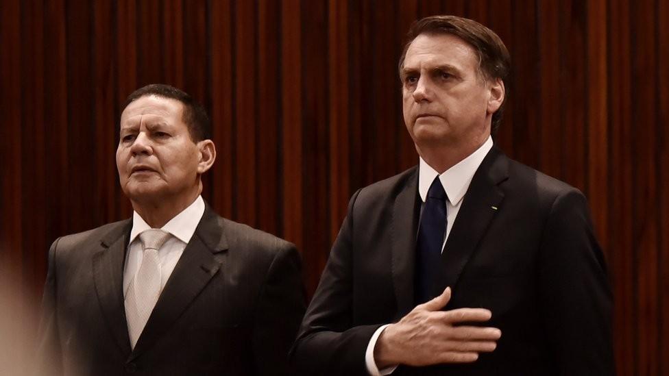 Jair Bolsonaro e o general da reserva Hamilton Mourão (Foto: EQUIPE DE TRANSIÇÃO/RAFAEL CARVALHO)