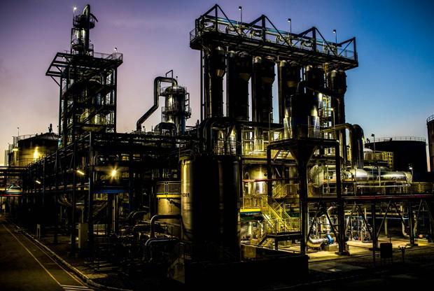 A BioFlex, usina no interior de Alagoas, começou a fabricar o etanol de segunda geração em setembro, mas o alvo da empresa  é transformar  o açúcar em  uma alternativa  ao petróleo (Foto: Guilherme Zauith)