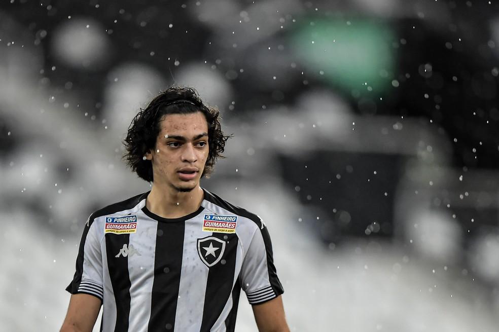 Matheus Nascimento jogou as últimas duas partidas do Botafogo na Copa do Brasil Sub-20 — Foto: Vitor Silva/Botafogo