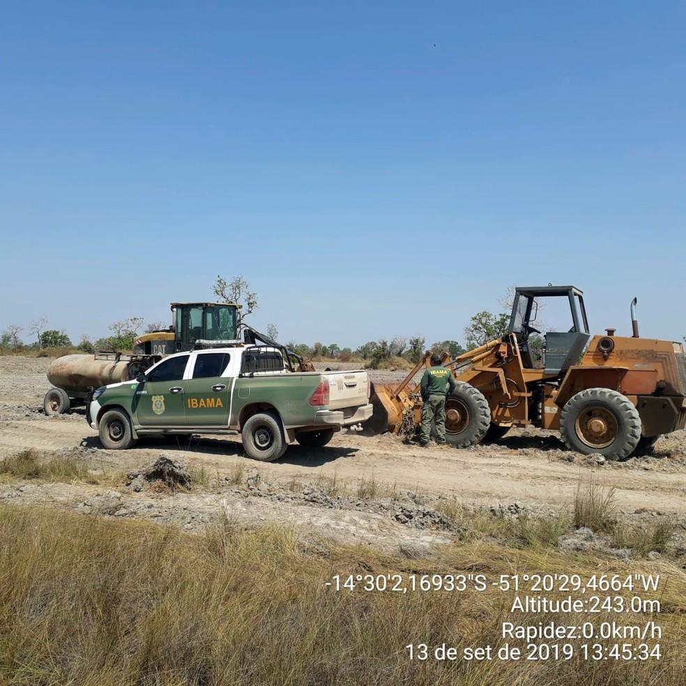Maquinários foram apreendidos pelo Ibama em Mato Grosso — Foto: Ibama/Divulgação
