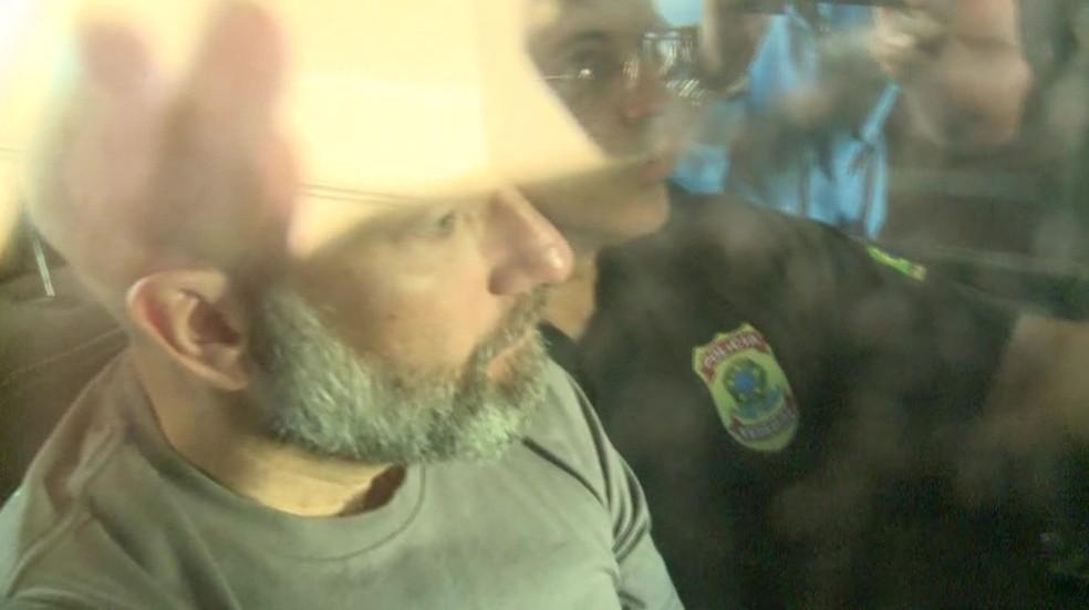 Sérgio Cortes foi preso na manhã desta sexta (31) em sua casa na Lagoa (Foto: Reprodução / TV Globo)